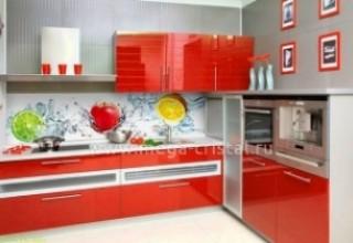 Сколько стоит кухонный фартук из стекла?>