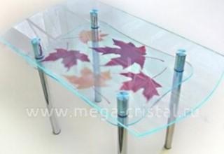 Какукрасить стеклянный стол?>