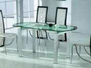 Секреты ухода за стеклянным столом