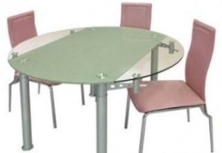 Каким должен быть стеклянный обеденный стол?>