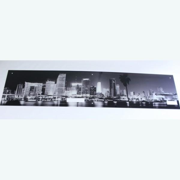 Стеклянная панель с фотопечатью черно-белый город